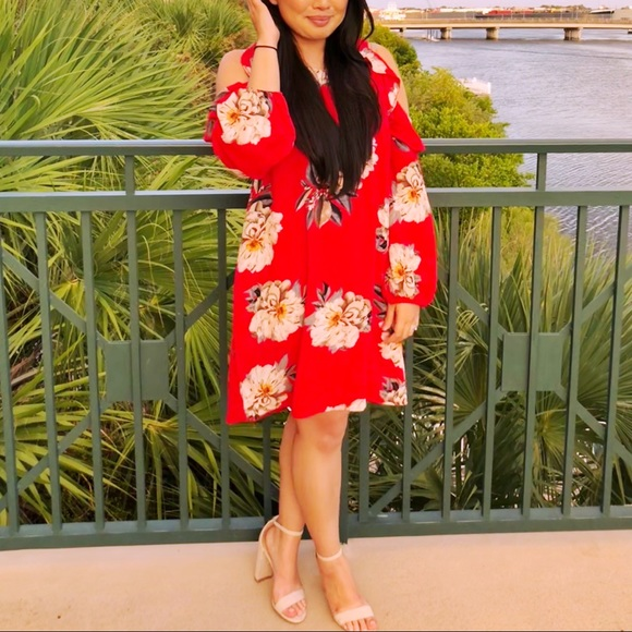 Bellanblue Dresses & Skirts - Tropical print red dress